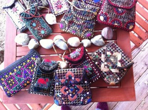 embroidered  small purses 1